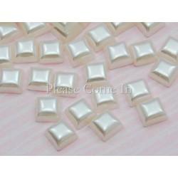 10 carrés ivoire perlé irisé 4mm