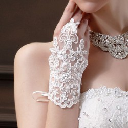 Gants de mariage en dentelle fleurs et strass