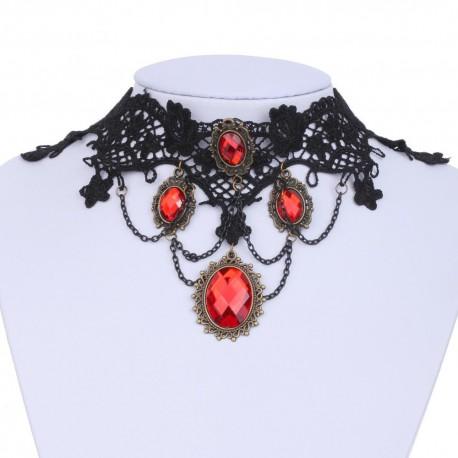 Collier en dentelle noire et perles