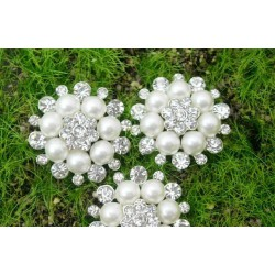 Boutton fleur perle et cristal